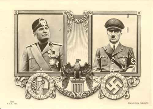 Mussolini non ritiene di potersi staccare dall'alleato tedesco. Una cartolina viene stampata e diffusa per confermare l'indissolubilità dell'alleanza fra il Duce e il Fuhrer