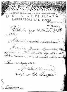 Il testo del decreto del re che revoca Mussolini dalla carica di Capo del governo. Da notare la grossa bugia 'a sua domanda'. Il documento, praticamente inedito, è conservato alla Corte dei conti, 1943, Reg. Finanze n. 14, foglio 135.