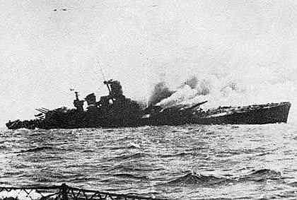 La corazzata Roma colpita