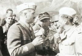 Il generale Soleti parla col maggiore Mors